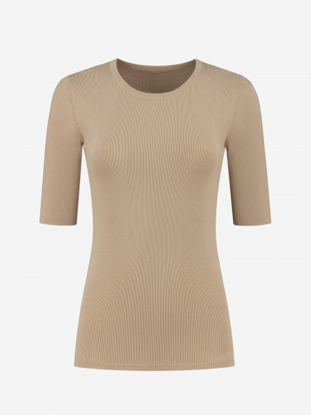 fitted top with round neck