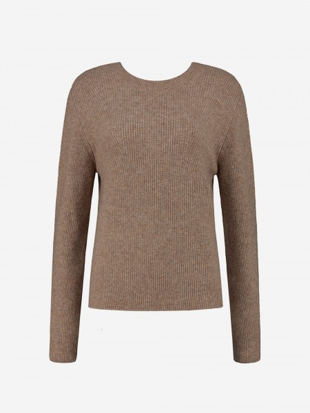 Fine knitted jumper