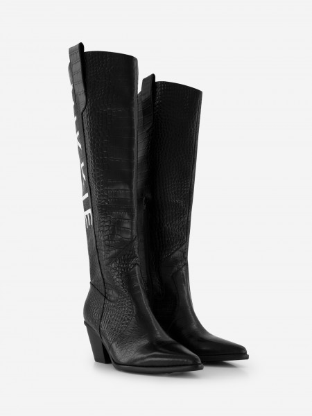 Leather boots with artwork