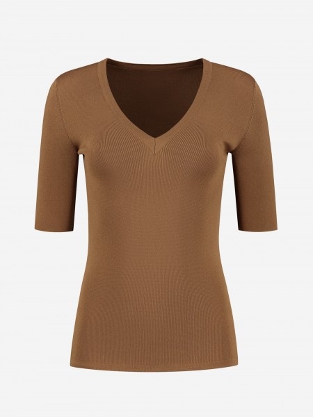 FITTED TOP WITH V NECK
