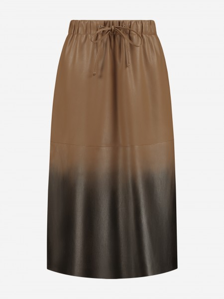 Vegan leather skirt with overflow