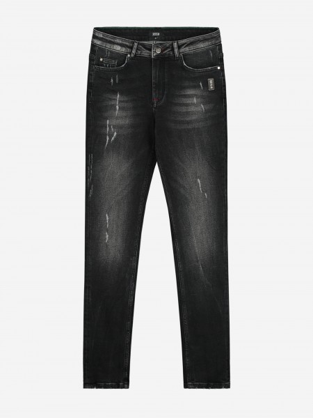 JEANS WITH DESTROYED DETAILS